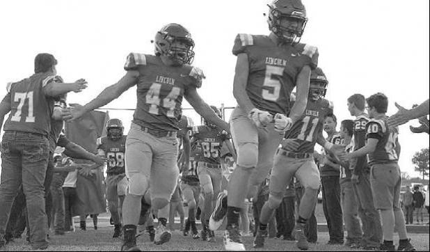 Lincoln football drops fifth straight