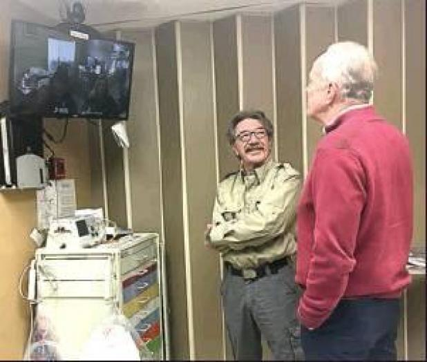 Senator Moran tours Hospital