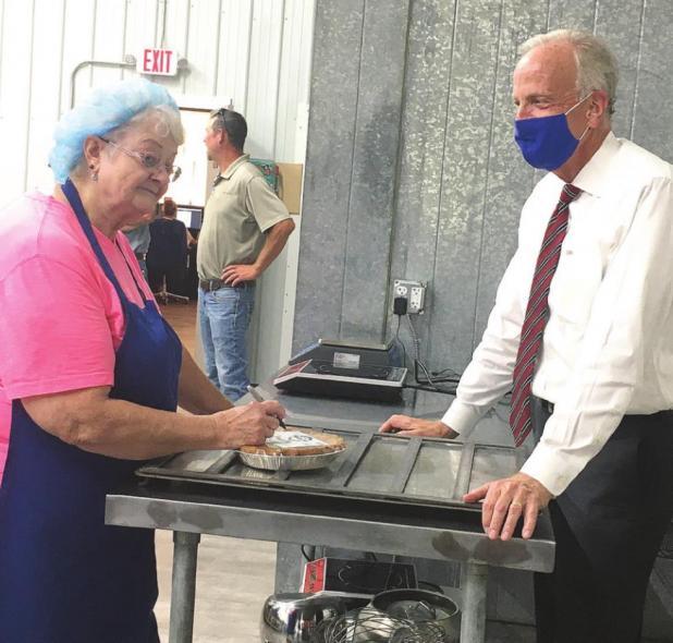 Senator Moran tours Marcon Pies, downtown Lincoln