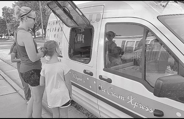 Ice Cream truck makes stop in Lincoln